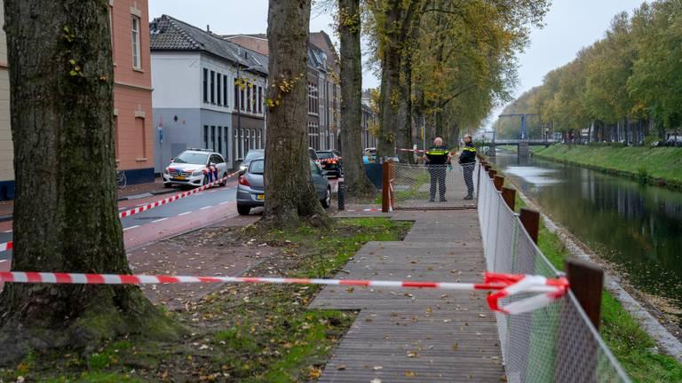 De politie deed de hele ochtend onderzoek (foto: Iwan van Dun/SQ Vision).