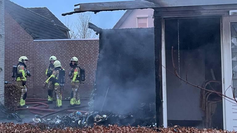 De schuur die uitbrandde. (foto: Bart Meesters / SQ Vision).