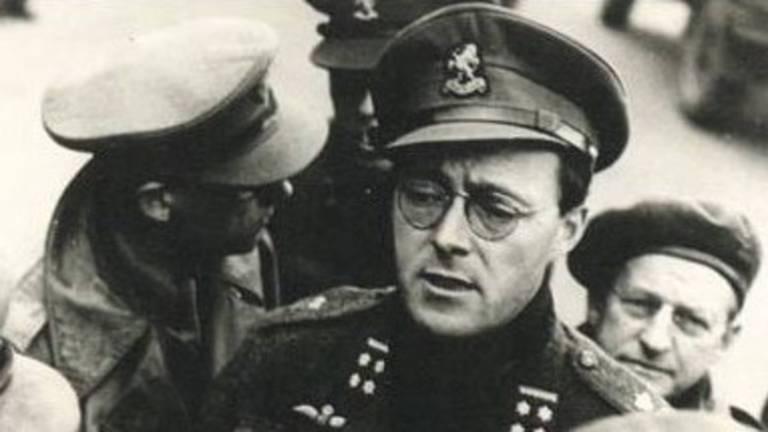 Prins Bernhard in zijn uniform als commandant Binnenlandse Strijdkrachten