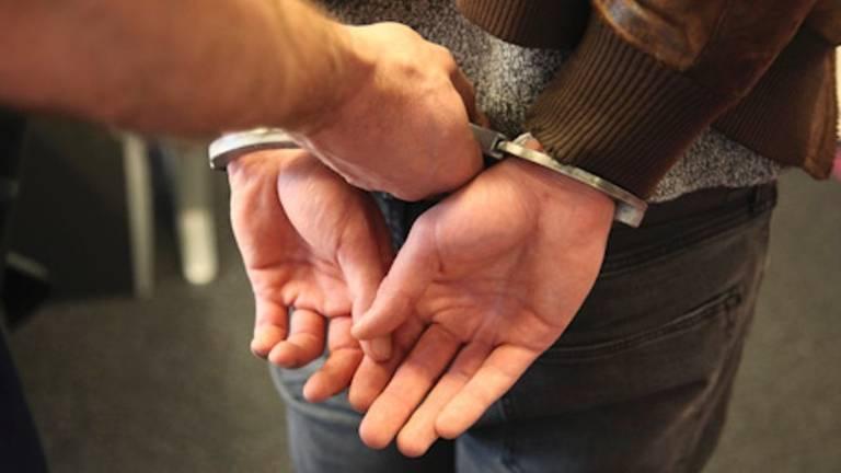 Een aantal jongeren moest worden afgevoerd (foto: politie).
