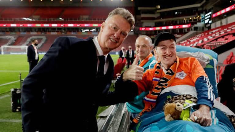 Louis van Gaal op de foto met Joop van der Laan (foto: Willem van der Veer).