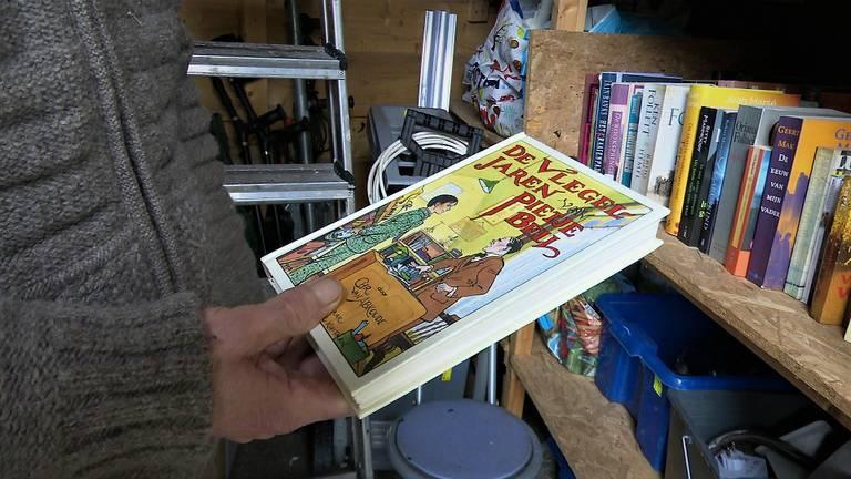 Een van de boeken uit de jeugd van Sjoerd. (foto: Raoul Cartens)