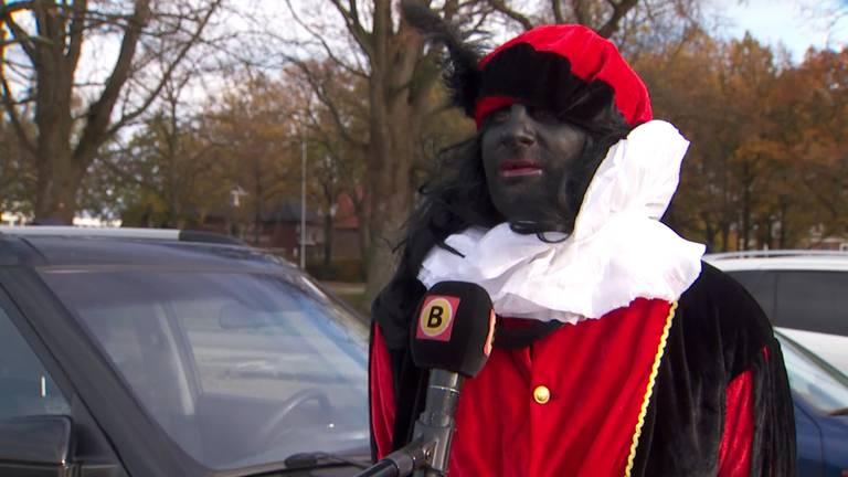 Tegendemonstranten maakten duidelijk hoe zij over Zwarte Piet denken.