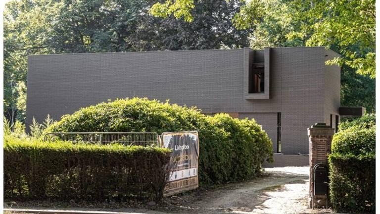 Het nieuwe huis van Guus Meeuwis.
