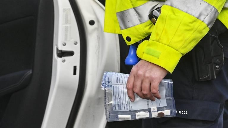 De bestuurder had drugs op zak (Foto: SQ Vision/Tom van der Put).