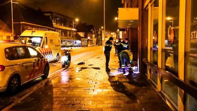 De politie onderzoekt wat er precies gebeurd is op de Geldropseweg in Eindhoven (foto: Dave Hendriks/SQ Vision).