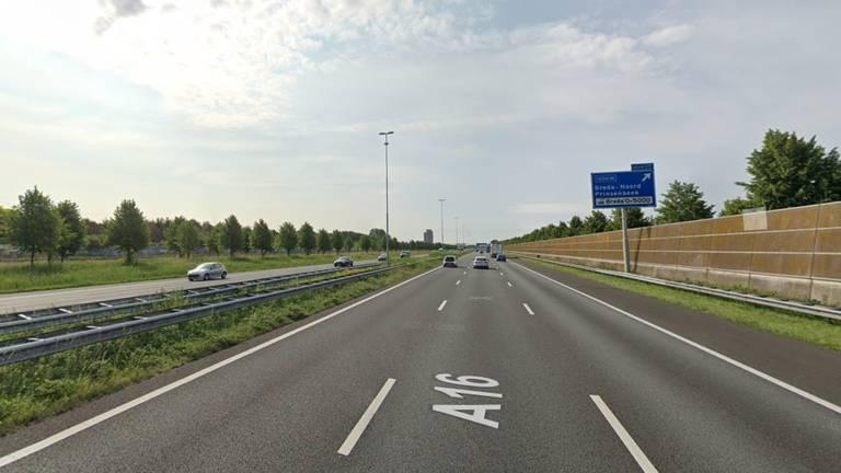 De A16 bij Prinsenbeek (afbeelding: Google Streetview).