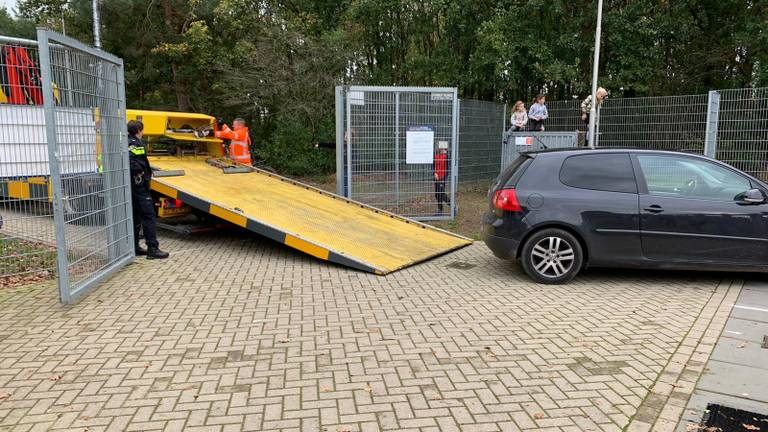 De auto is meegenomen (foto: Irene '58).