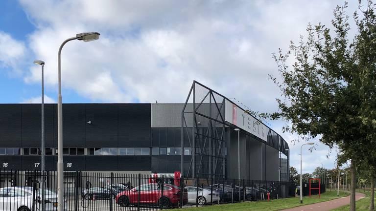 De Tesla-fabriek in Tilburg (Foto: Agnes van der Straaten).