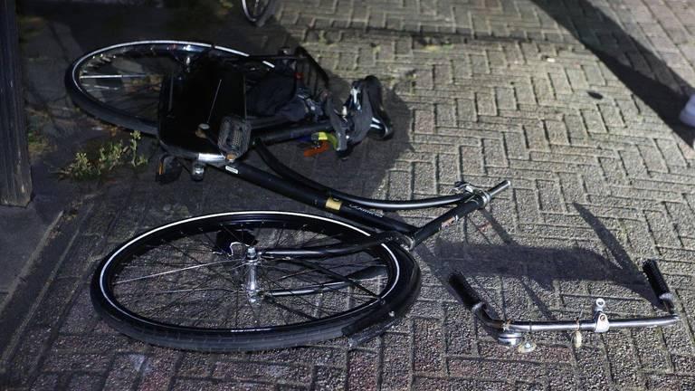 De scooterrijder kwam in Esch in botsing met een groepje fietsers (foto: Bart Meesters).
