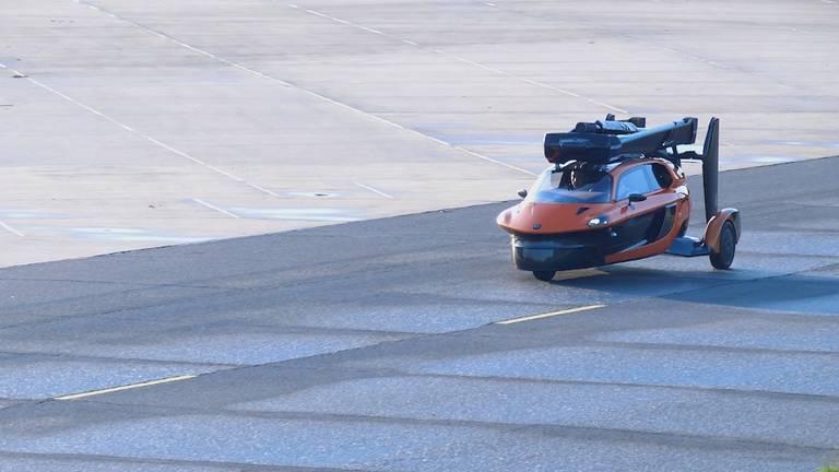 PAL-V de vliegende auto uit Brabant mag de weg op