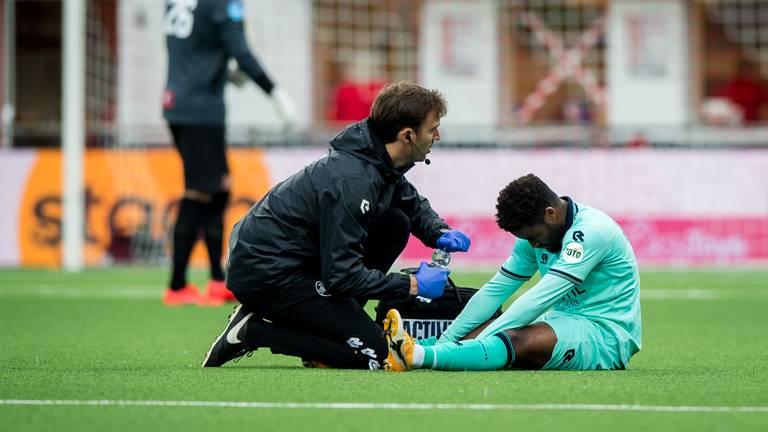 Ché Nunnely raakte geblesseerd tegen FC Emmen, maar is weer fit (foto: ANP).