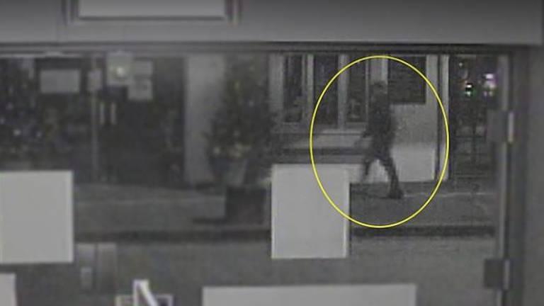 De mogelijke dader van explosie Poolse supermarkt in Heeswijk-Dinther (foto: politie).
