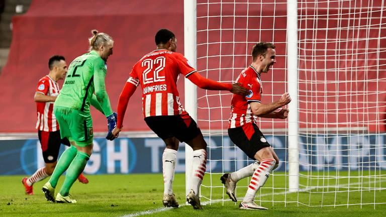 Mario Götze juicht na late en bevrijdende goal (foto: ANP).