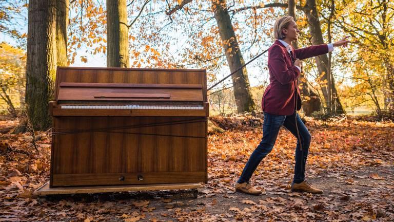 David en zijn piano (foto: Eline den Hond Fotografie).