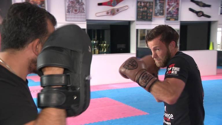 Kickbokser Robbie Hageman tijdens een training.