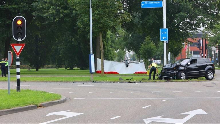 De aanrijding vond plaats op de kruising van de Hervensebaan met de Bruistensingel in Den Bosch (foto: Bart Meesters).