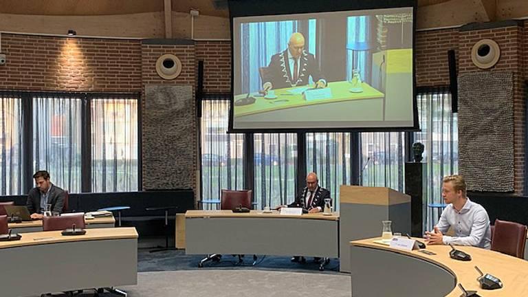 Een bijzonder kale en snelle raadsvergadering in Meijerstad door het coronavirus.