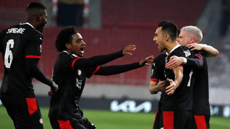 Eran Zahavi was met twee doelpunten belangrijk voor PSV (foto: ANP).