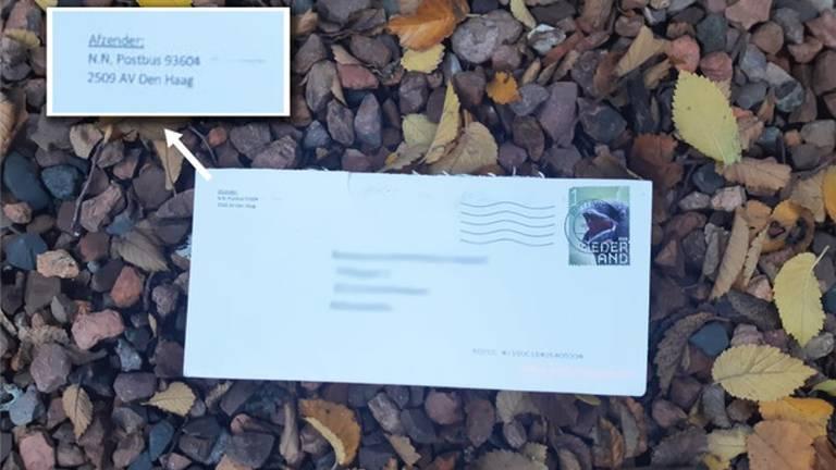 Zo ziet een van de poederbrieven eruit (foto: Politie.nl).
