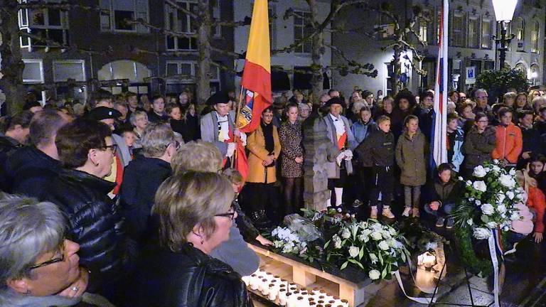 Geen stille tocht en kerkdienst bij herdenking van de stadshuisramp Heusden.