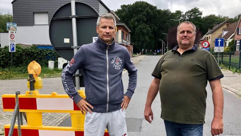 Patrick de Bruyn en Servé Bosmans willen dat de Belgen hun omleiding weghalen (Foto: Erik Peeters)